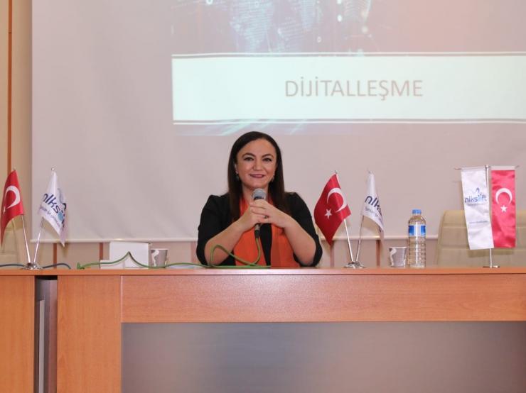 """Yönetim Kurulu Başkanımız Nalan Kurt  """"Girişimcilik ve Dijitalleşme"""" adlı konuşmasıyla kariyer günlerinde yer aldı."""